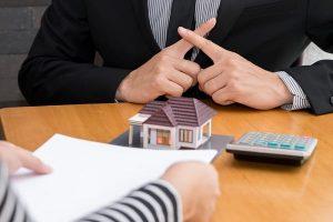 Kaphatok-e személyi kölcsönt, ha a fizetésemből letiltás van?