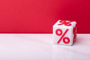 Fix törlesztőrészletű, vagy változó kamatozású piaci hitelt érdemes felvenni?