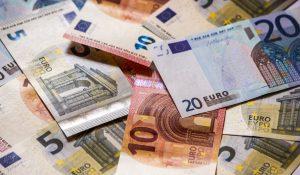 Mitől függ a forint gyengülése az euróval szemben?