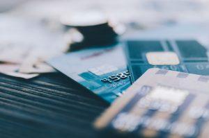 Mik a hitelkártya előnyei és hátrányai?