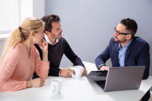 Hitelfelvétel adóstársként – lehetséges?