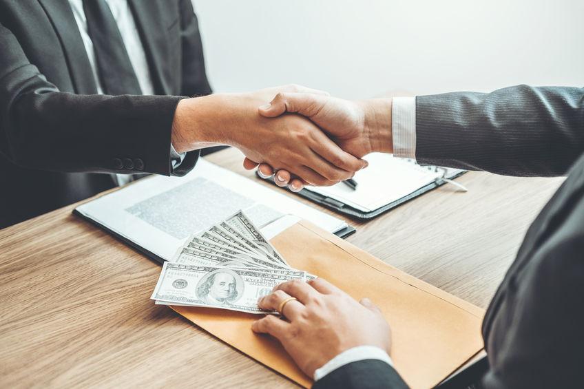 Hitelfelvétel határozott idejű munkaszerződéssel – lehetséges?