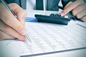 Milyen költségekkel kell számolnunk, ha bankszámlát nyitunk?