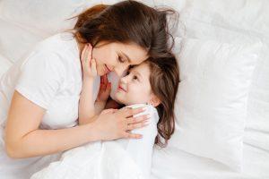 Milyen támogatásokat kaphatnak az egyedülálló szülők?