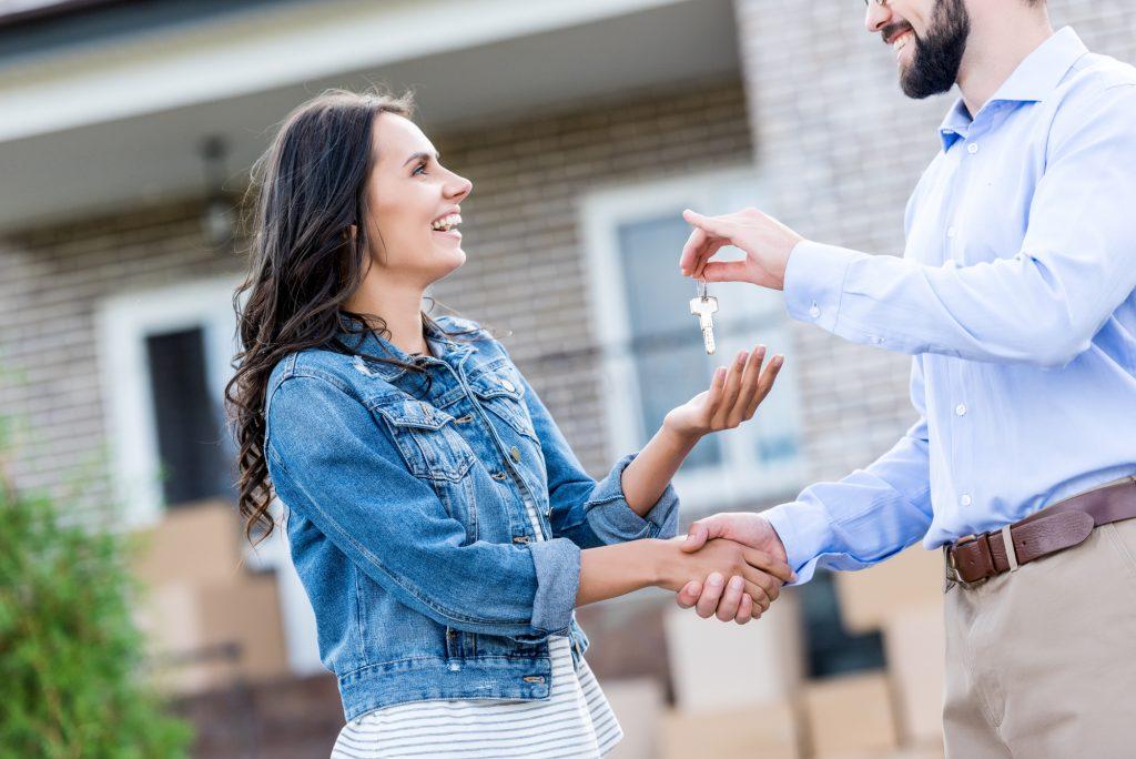 Hogyan lehet eladni egy terhelt ingatlant?